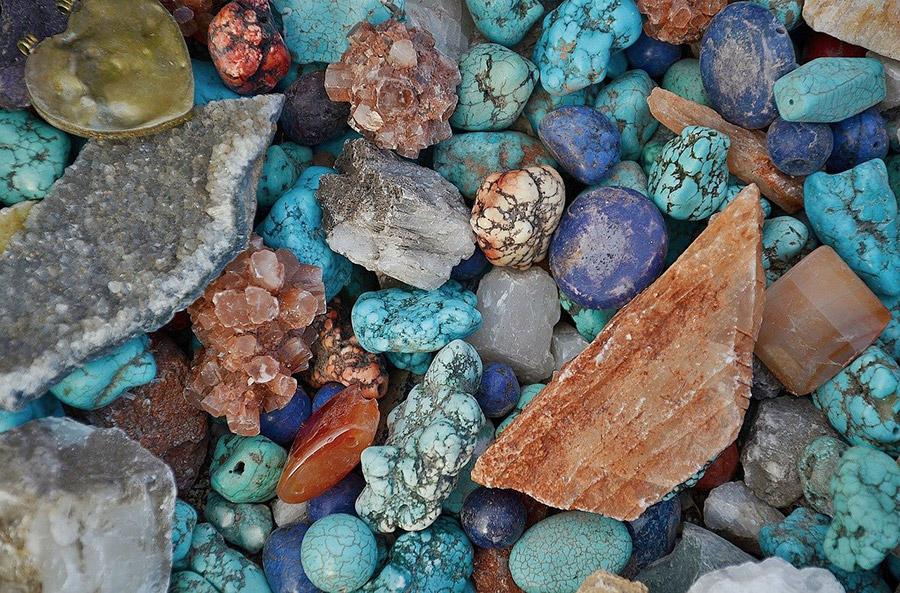 Mineralien in UV Licht